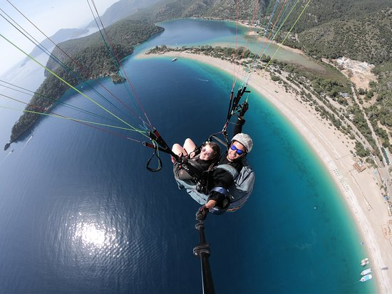Sky Sports Paragliding: My daughter paragliding with Ali.