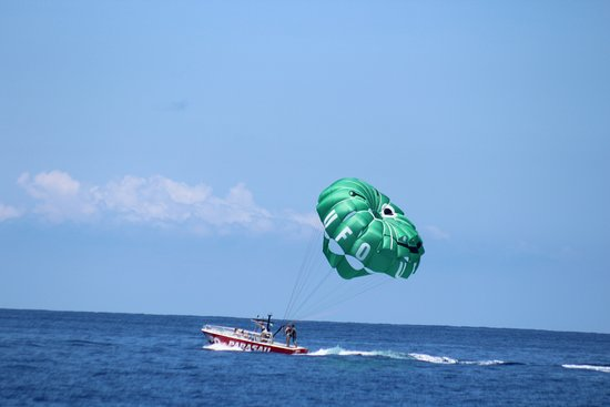 UFO Parasail: Getting ready to fly high!
