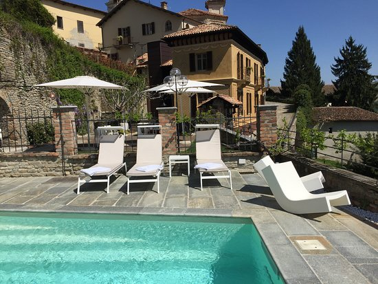 Relais villa del borgo canelli arvostelut sek for Villa del borgo canelli