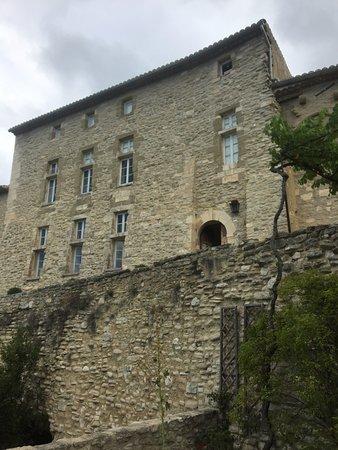 La Roque sur Pernes, Francja: Старый корпус замка