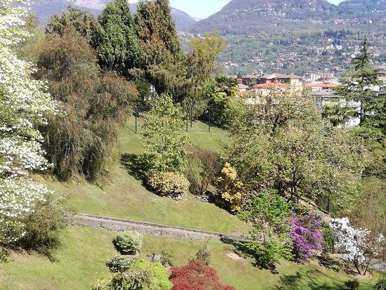 Giardini Terrazzati e Statua del Pescatore - Bild von Villa Taranto ...
