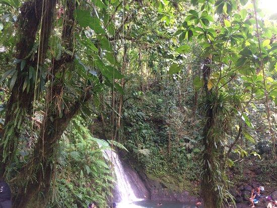 Parc National, Gwadelupa: cascade de loin