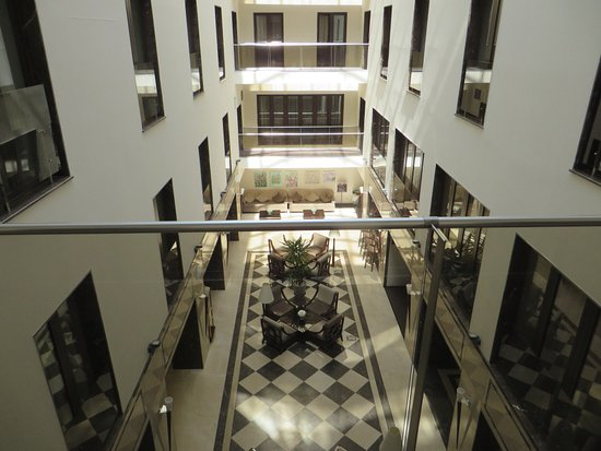 Europa Royale Bucharest: 2nd floor, Atrium