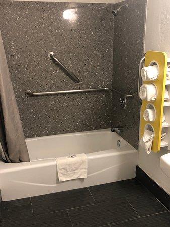 Westley, Californien: All New bathrooms