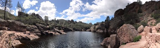 Pinnacles National Park: Bear Gulch Reservoir