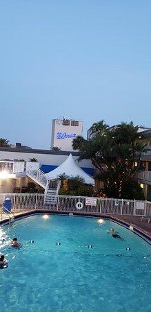 Bilmar Beach Resort: 20180420_201428_large.jpg