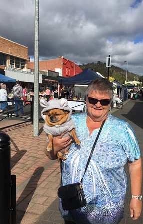 New Norfolk, Australia: Locals and their pets