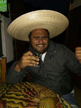 La mejor mezcaleria en patzcuaro, sin dudia volveria, pero ahora con un buen mariachi ajuaaaaa!!
