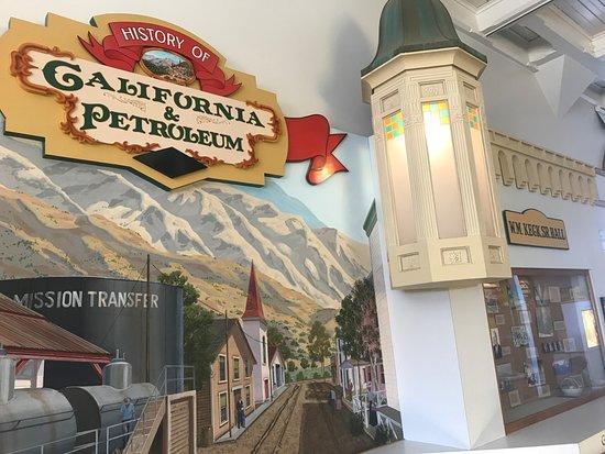 Санта-Паула, Калифорния: California Oil Museum