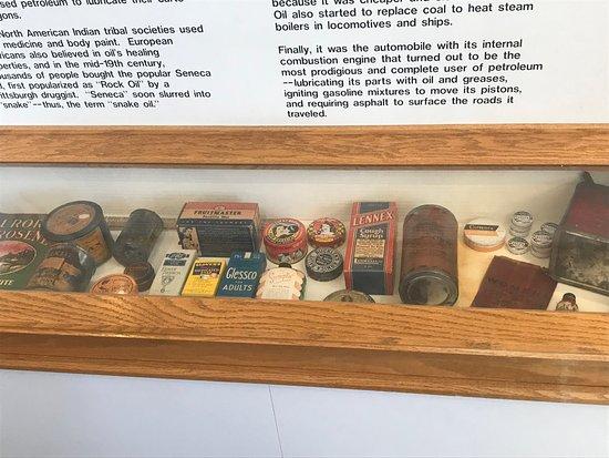 Санта-Паула, Калифорния: Vintage tins!