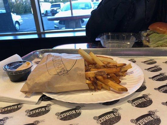 Mount Sinai, NY: Go Burger