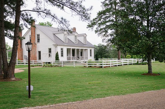 Entrance - Picture of The Historic Hill House And Farm, Willis - Tripadvisor