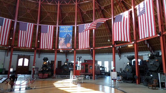 Baltimore and Ohio Railroad Museum: LARGE roundtable housing years of history