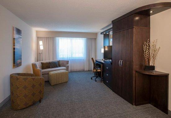 Columbus, MS: Guest room