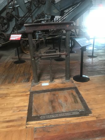 Museum of Ventura County - Agriculture Museum : You can get on the scale!