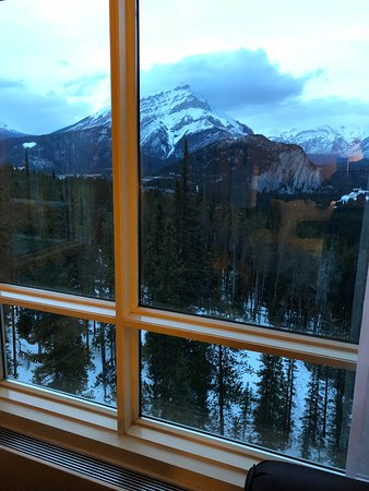Rimrock Resort Hotel: This is the view the first evening I arrived.