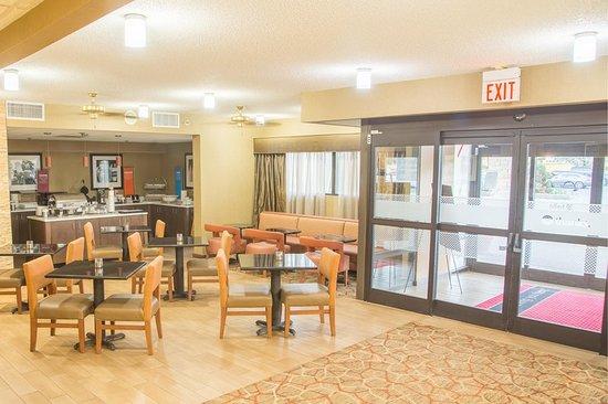Oak Ridge, TN: Lobby