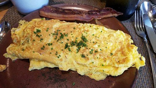Husk Restaurant: Omelet, Sweetwater Dairy Buttermilk Cheddar, veggies