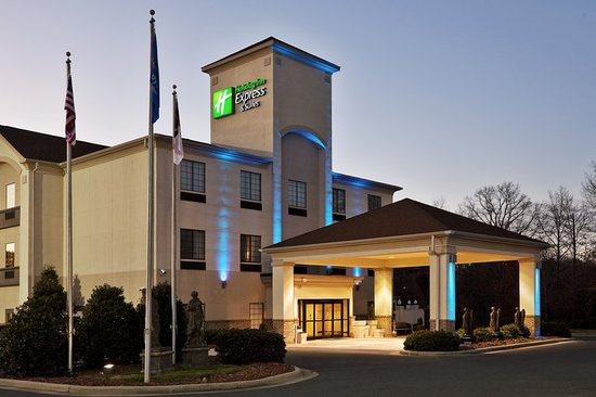 Holiday Inn Express Hotels And Suites Albermarle: Exterior