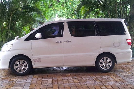Ocho Rios Hotels Private Roundtrip Airport Transfer from Montego...