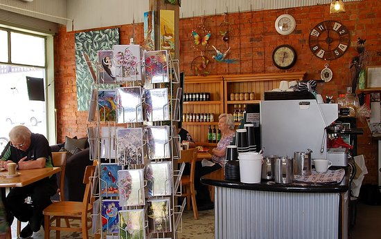 Avoca, Australia: Warm country atmosphere with home made jams and soaps too.