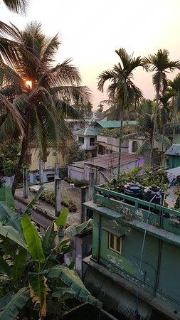Bagdogra, Inde : 20180306_062722_large.jpg