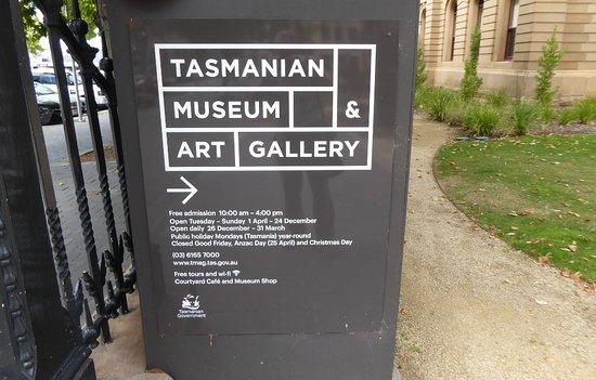 Tasmanian Museum and Art Gallery: Signage