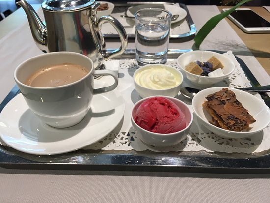 Del Rey Chocolates: Hot chocolate with raspberry sorbet, whipped cream, chocolate biscuits and berries.