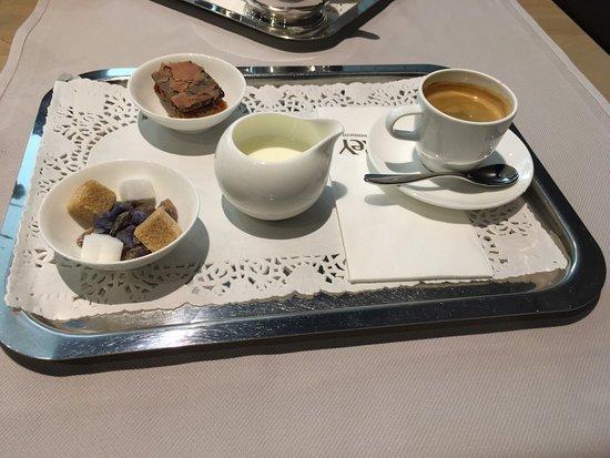 Del Rey Chocolates: Coffee.
