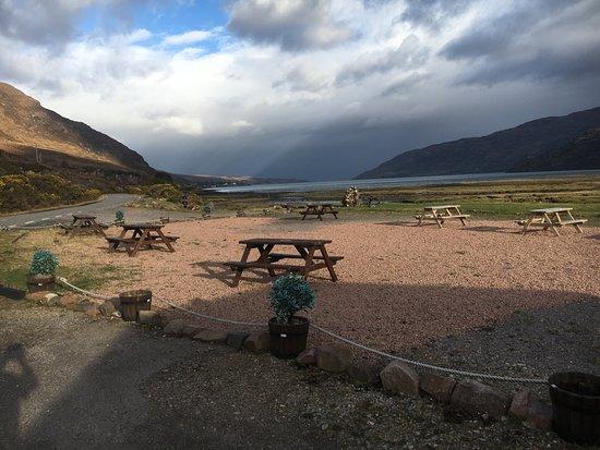 Little Loch Broom, UK: Beer garden
