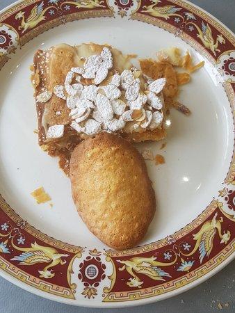 Santa Cruz de Bezana, España: Tarta de hojaldre muy rica de verdad