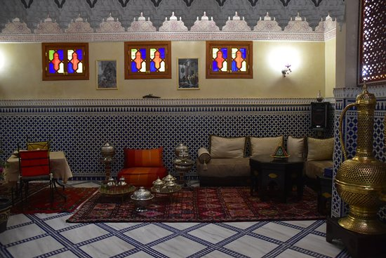 Au sous-sol, superbe décoration dans la salle commune - Picture of ...