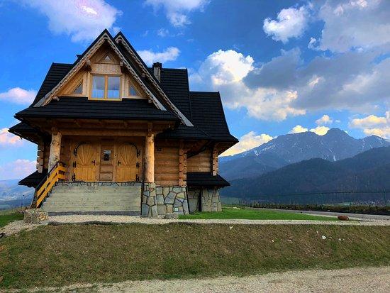 Koscielisko, Pologne : Chata znajduje sie w idealnym położeniu z widokiem na całą panoramę tatr