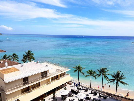 Outrigger Reef Waikiki Beach Resort : Room view from an Ocean View King room (Ocean Tower).