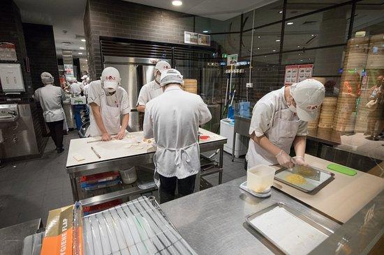 Din Tai Fung: Busy making dumplings