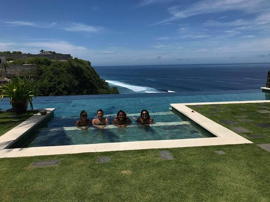 The Ungasan Clifftop Resort: received_10156430345414074_large.jpg