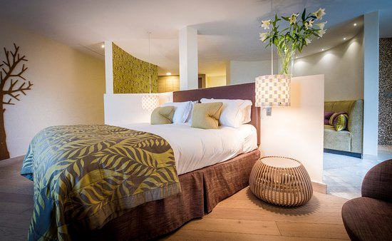 Mawgan Porth, UK: An Indulgent room.