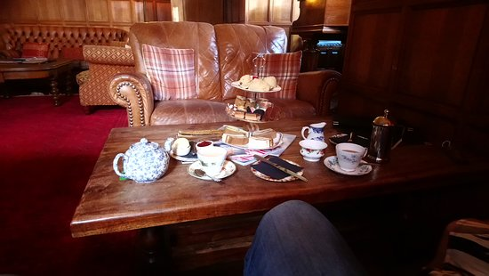 Troutbeck, UK: Afternoon tea in the music room