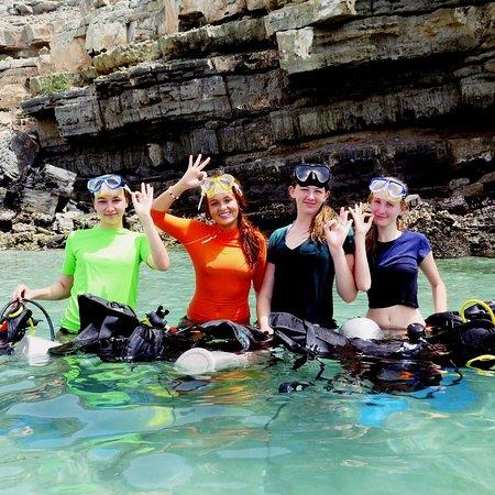 Sheesa Beach Dive Centre: Always more fun doing discover scuba courses with the Sheesa team.