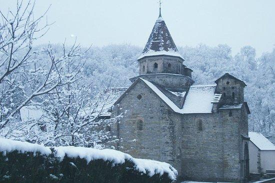 Hopital-Saint-Blaise, France: l'hiver sur l'église
