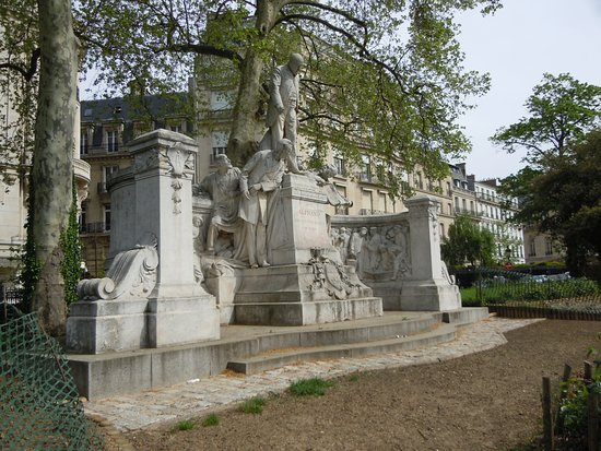Monument a Jean-Charles Alphand