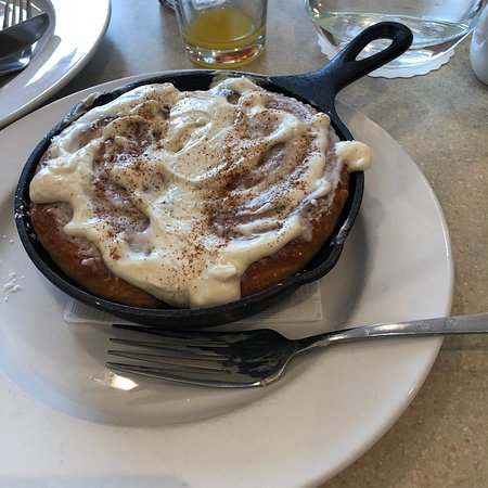 Jeffersonville, IN: Absolutely delicious!  The cinnamon roll is a must. ❤️