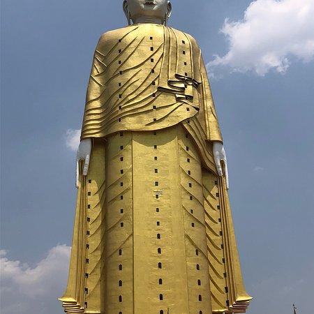 Bodhi Tataung: photo4.jpg