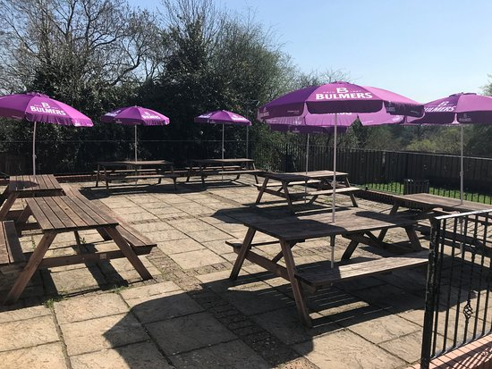 Shirley, UK: Patio area to rear