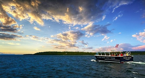 Fish Creek, WI: Sunset & Live Music Cruise