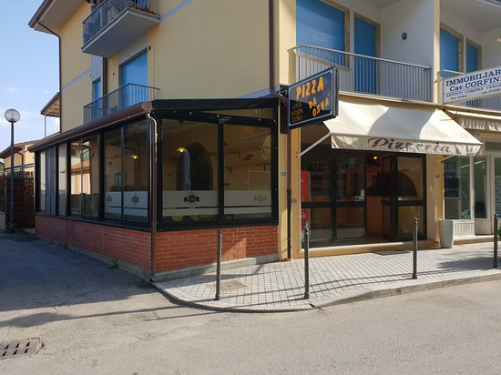 Tonfano, Ιταλία: La pizzeria