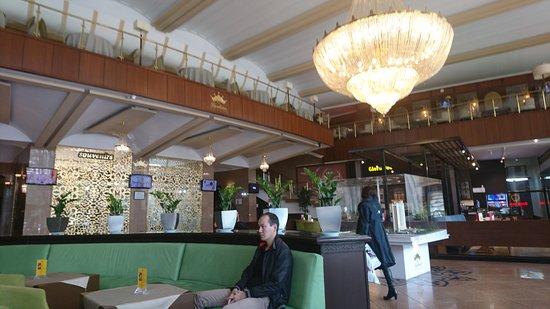 Kazakhstan: DSC_3392_large.jpg