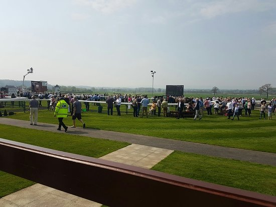 Bangor-on-Dee Racecourse : IMG-20180422-WA0018_large.jpg