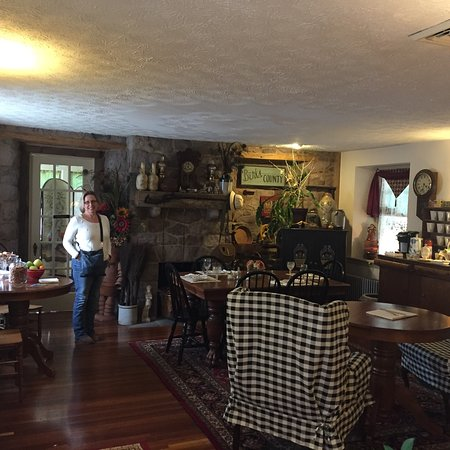 Living Spring Farm Bed and Breakfast: photo1.jpg