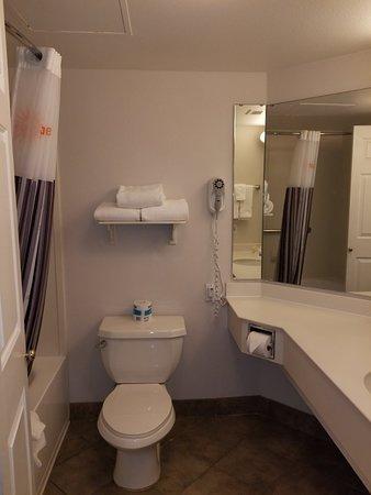 La Quinta Inn & Suites Mesa Superstition Springs: 20180421_182511_large.jpg